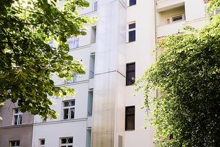 Venkovní výtahy v prosklené šachtě - 3 osoby, 4 stanice, Praha 6