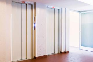 Modernizace osobního výtahu, duplex, 10 osob, 13 stanic, Praha 10